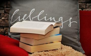 books-1416832_640